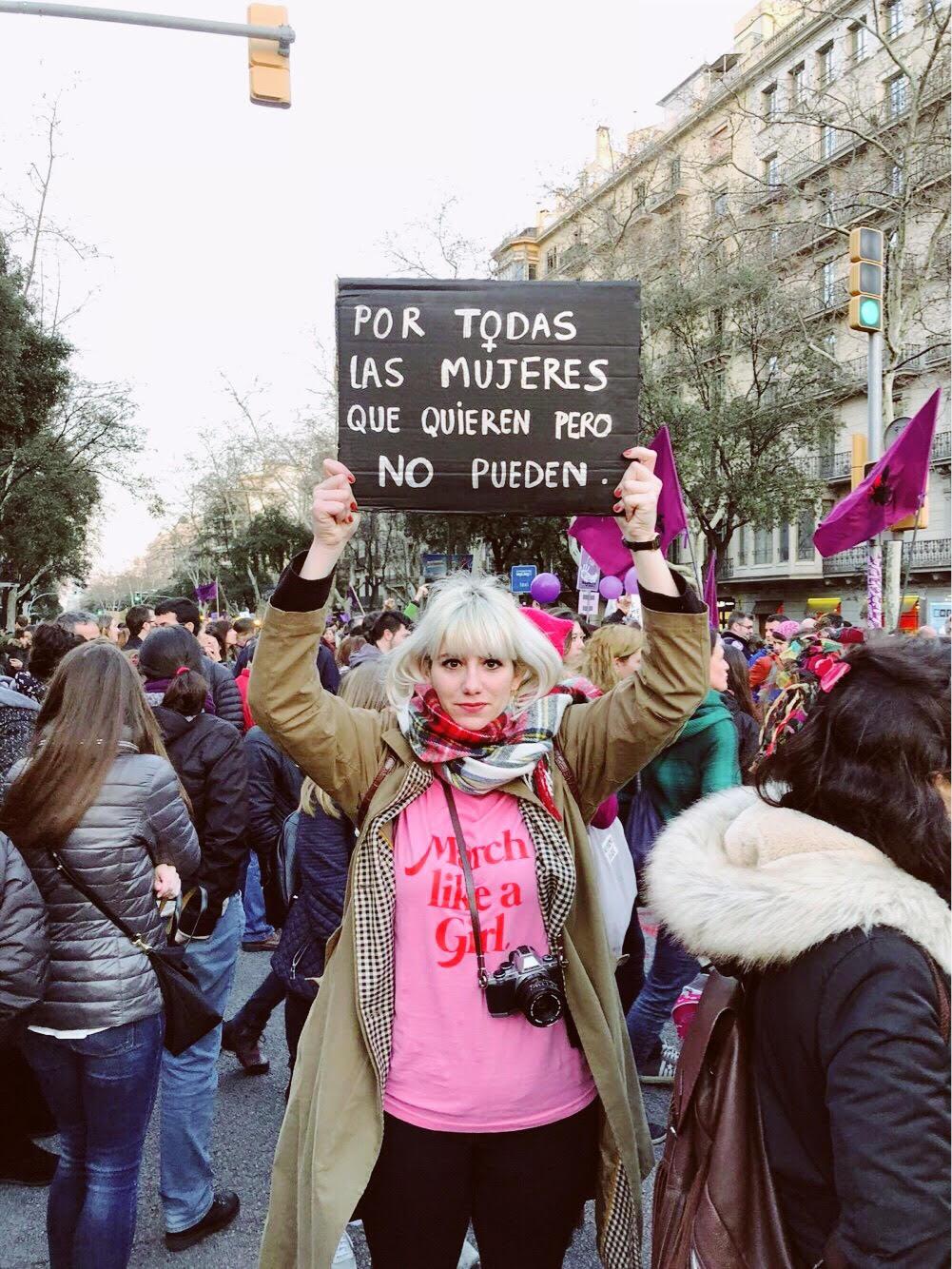 @levresrouges en la foto que le hizo su amiga @serendipity__forest__swartz en Barcelona.