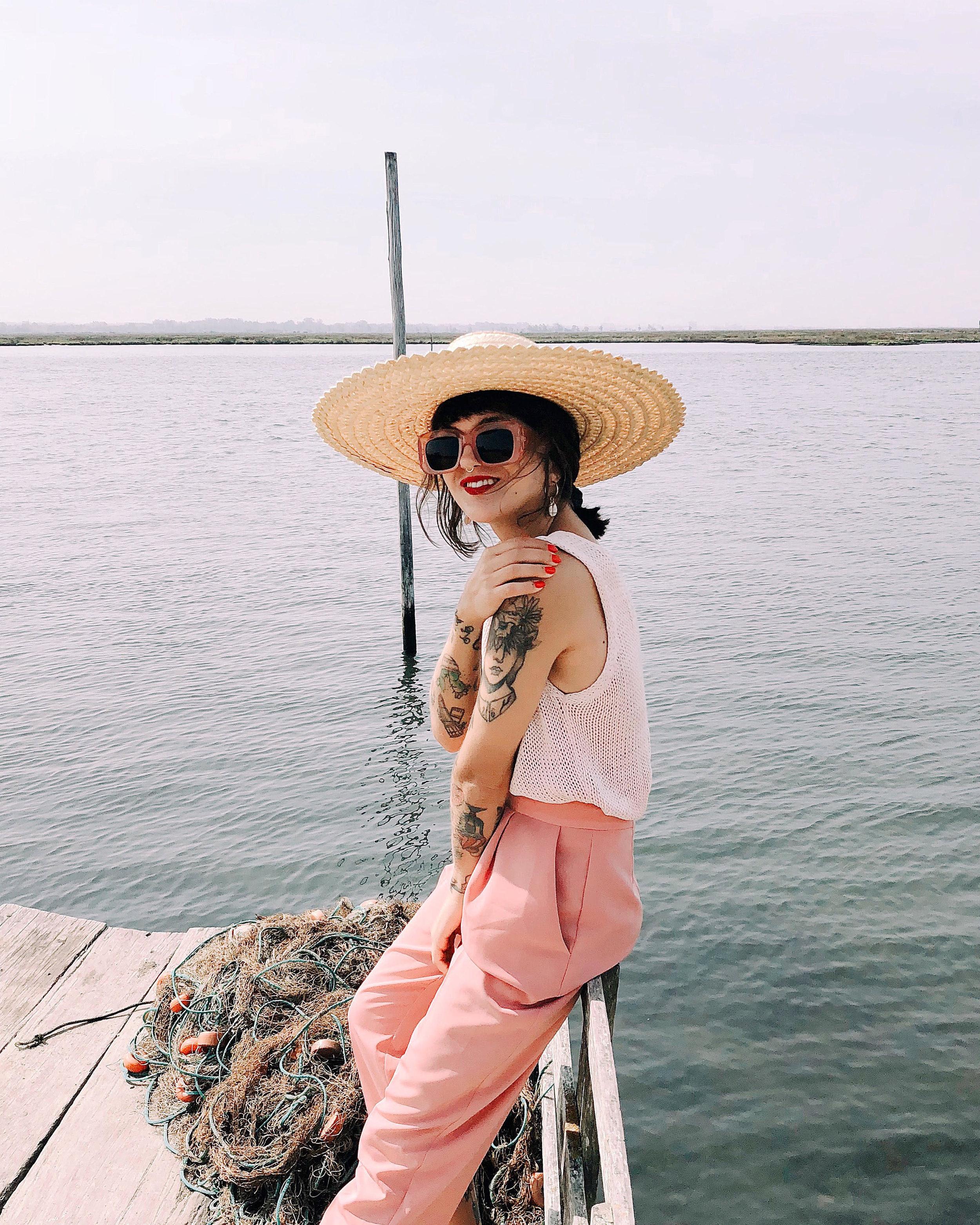 @peggyheart - Vanessa Rosa tiene 28 años, es estilista y creadora de contenido en Aveiro, Portugal. Todos sus looks nos llenan de energía y buen rollo. Siempre a todo color.