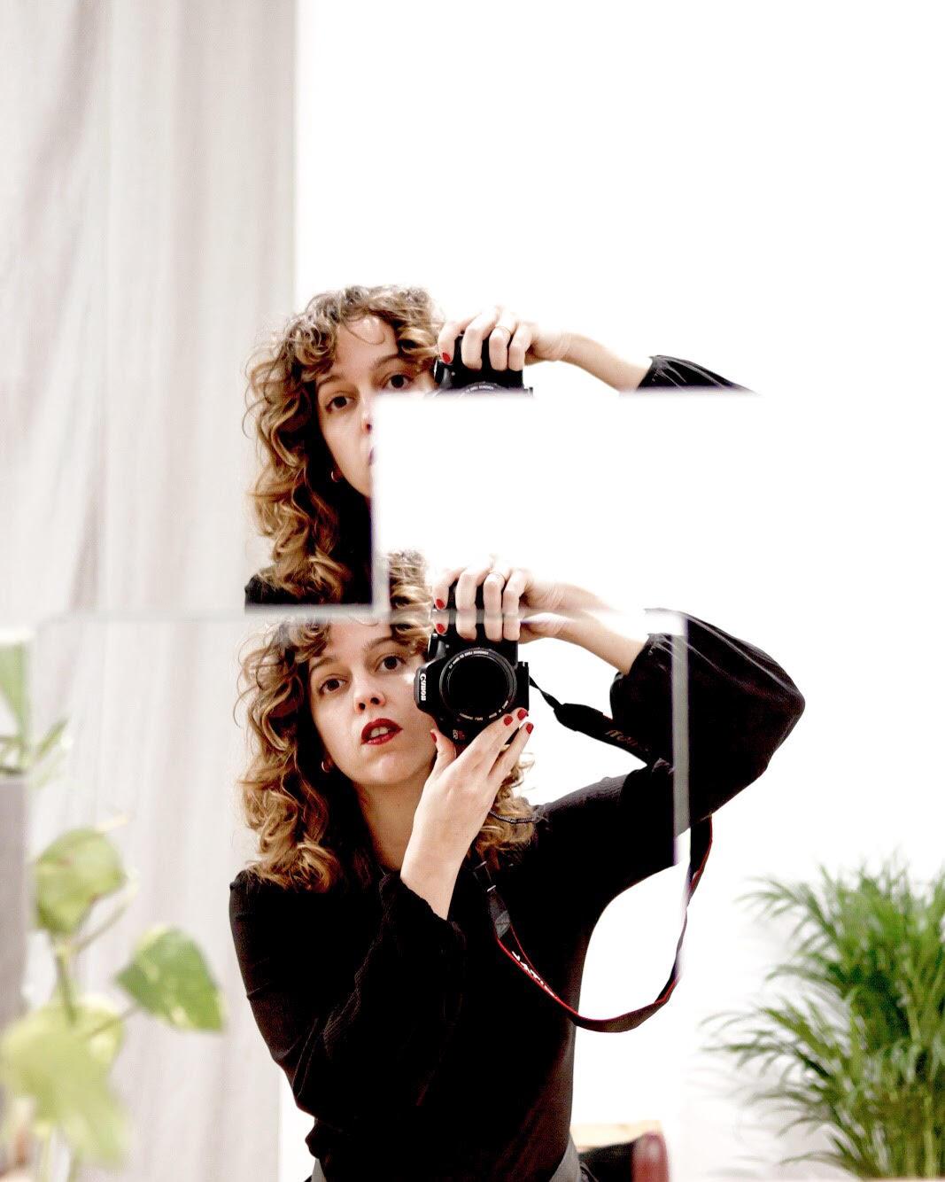 @inesgarp - Inés tiene 38 años, es madrileña y fotógrafa. La admiramos por todo lo que transmite como fotógrafa y como persona. Es una tía de armas tomar.