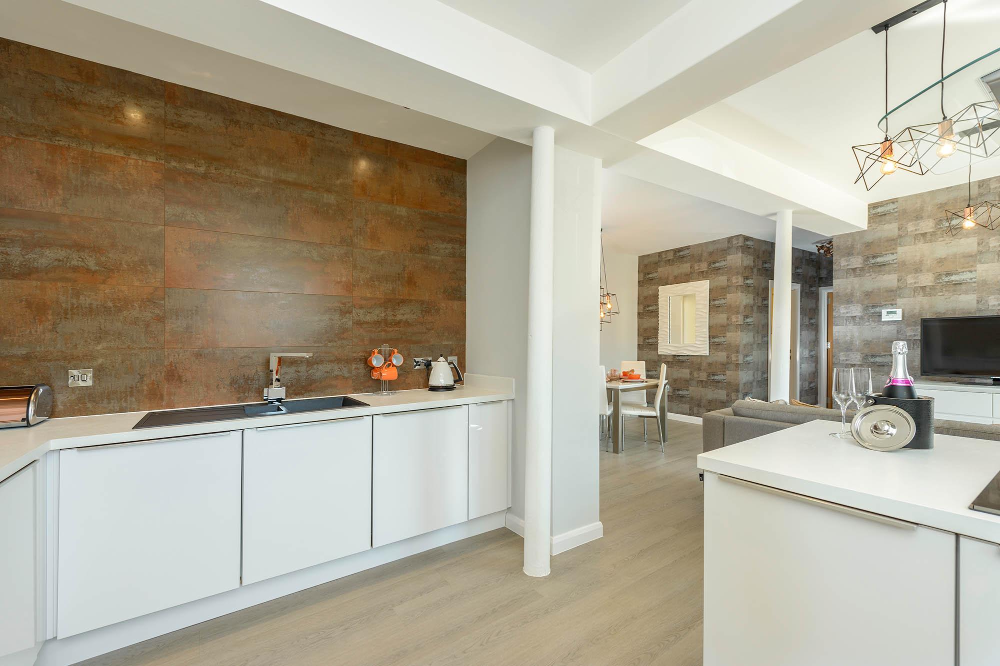 Kitchen 2-web.jpg