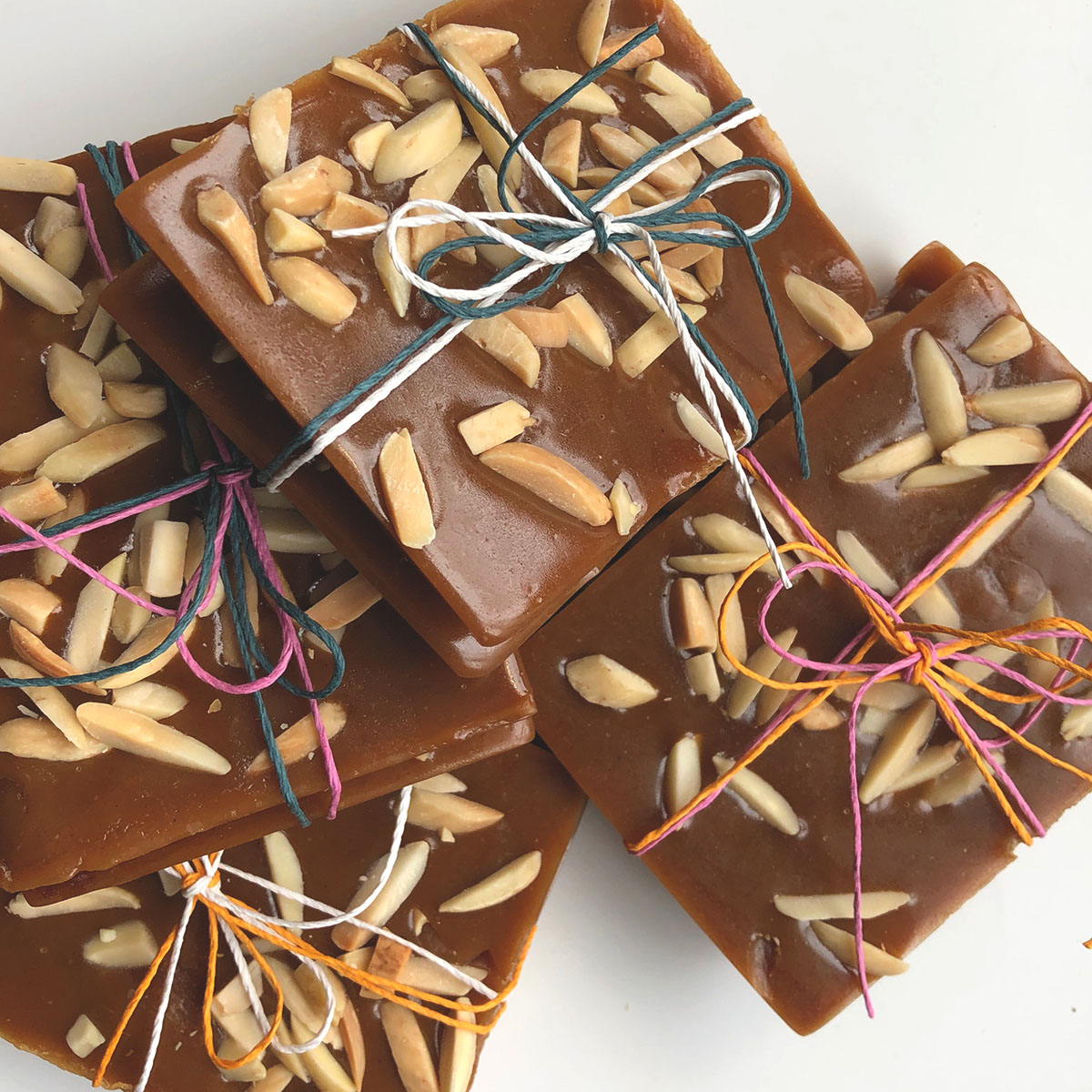 ENGLISH TOFFEE WITH TOASTED ALMOND