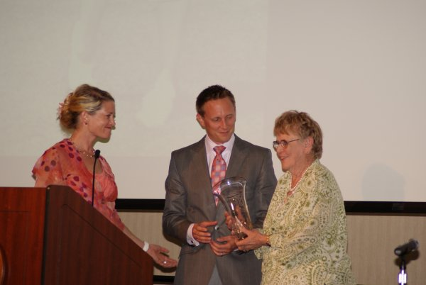 Mark & Katie Smucker present award to LPGA Founder Shirley Spork Clearview LPGA Pro Am Fundraiser Dinner.
