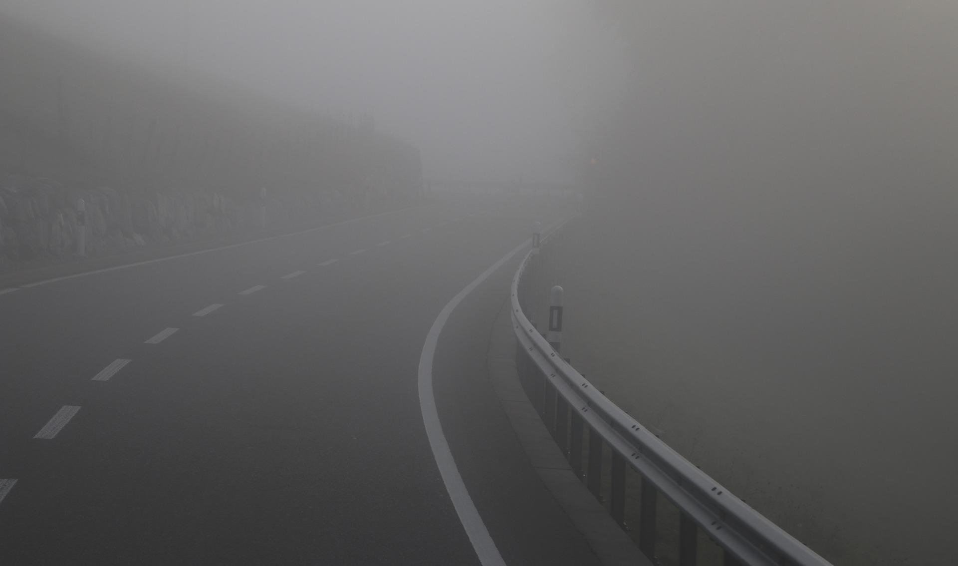the-fog-3738766_1920.jpg