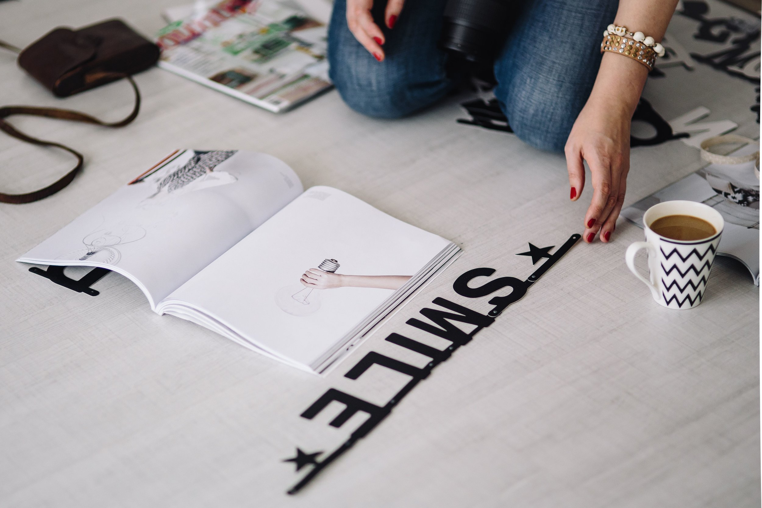 kaboompics_Woman arranging scrambled letters.jpg