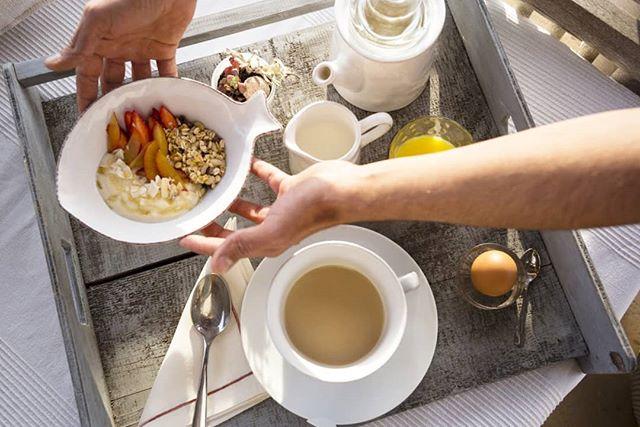 Las nubes se van y vuelven los desayunos soleados! 🥚☀️☕ . . . #marewaformentera #marewaexperience #formentera #ibiza #privatechef #chefprivado #privatechefformentera #privateevents #weddingplanner #breakfast #desayuno #healthy #yogafood #sunnyday #mediterraneanlife