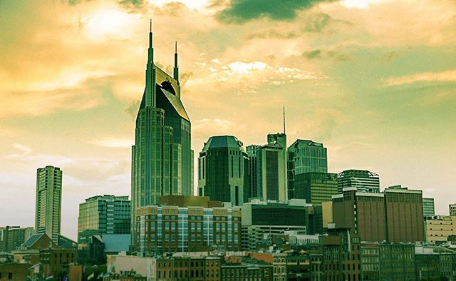 Music City to a Healthcare Hub, Nashville is an entrepreneur's dream. We love how many startups this city supports and the creativity that lives here. Our favorite spots? You can find us at Pinewood Social and checking out East Nashville's newest restaurants.