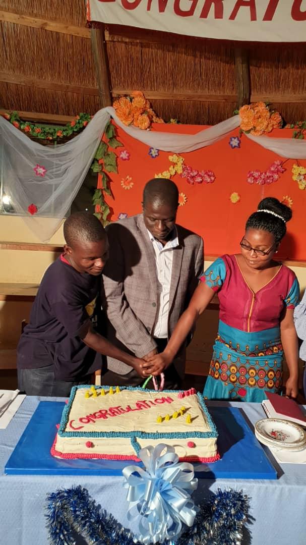 School Leavers Graduation Cake.jpeg