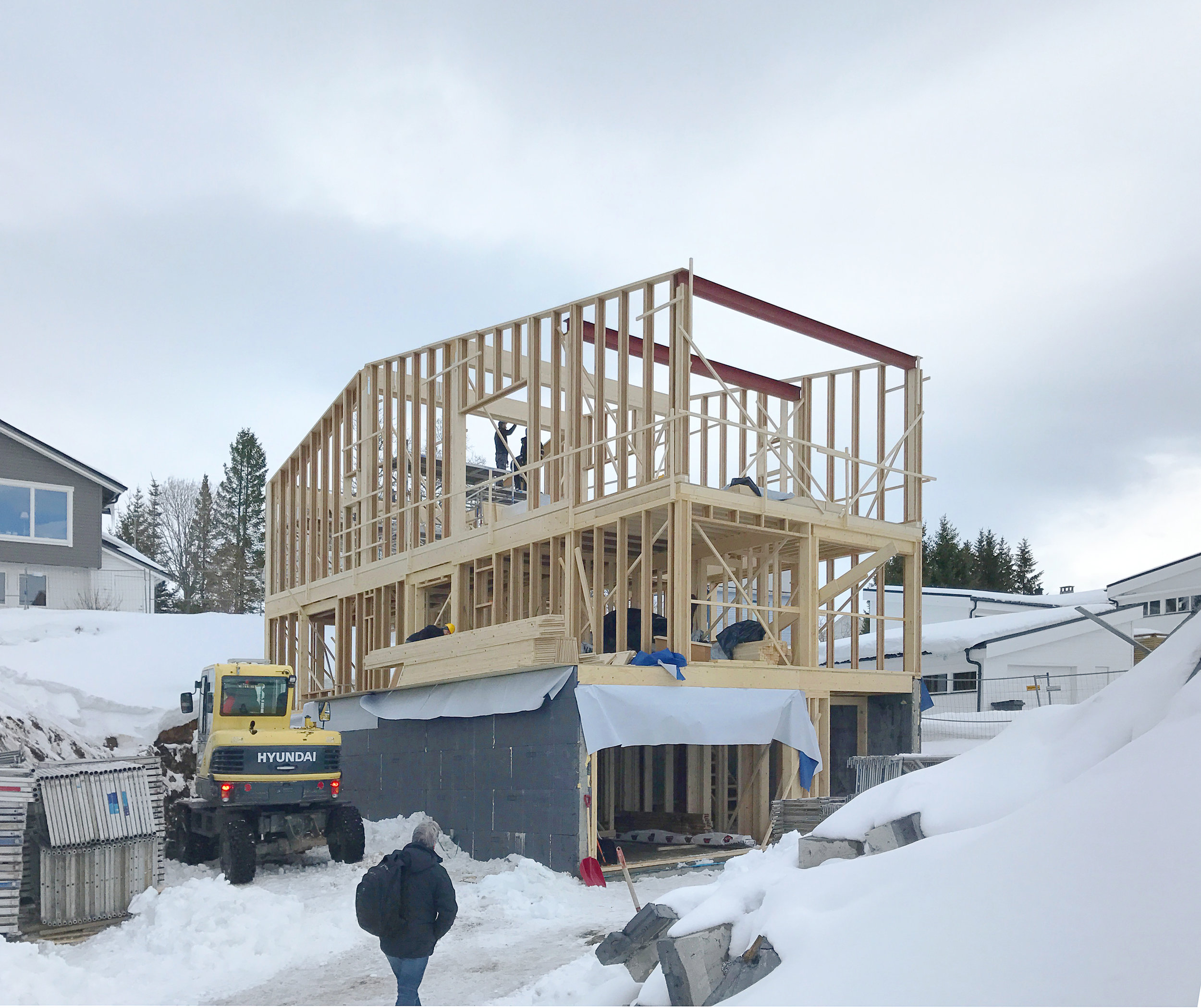 Construction on Martinurdalsveg, double house in Tromsø  has reached a key stage