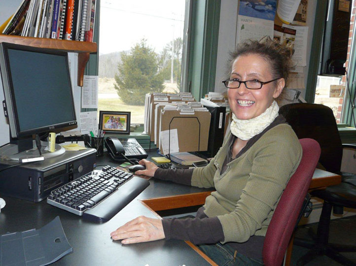 Liz Hanlon, Sales Manager