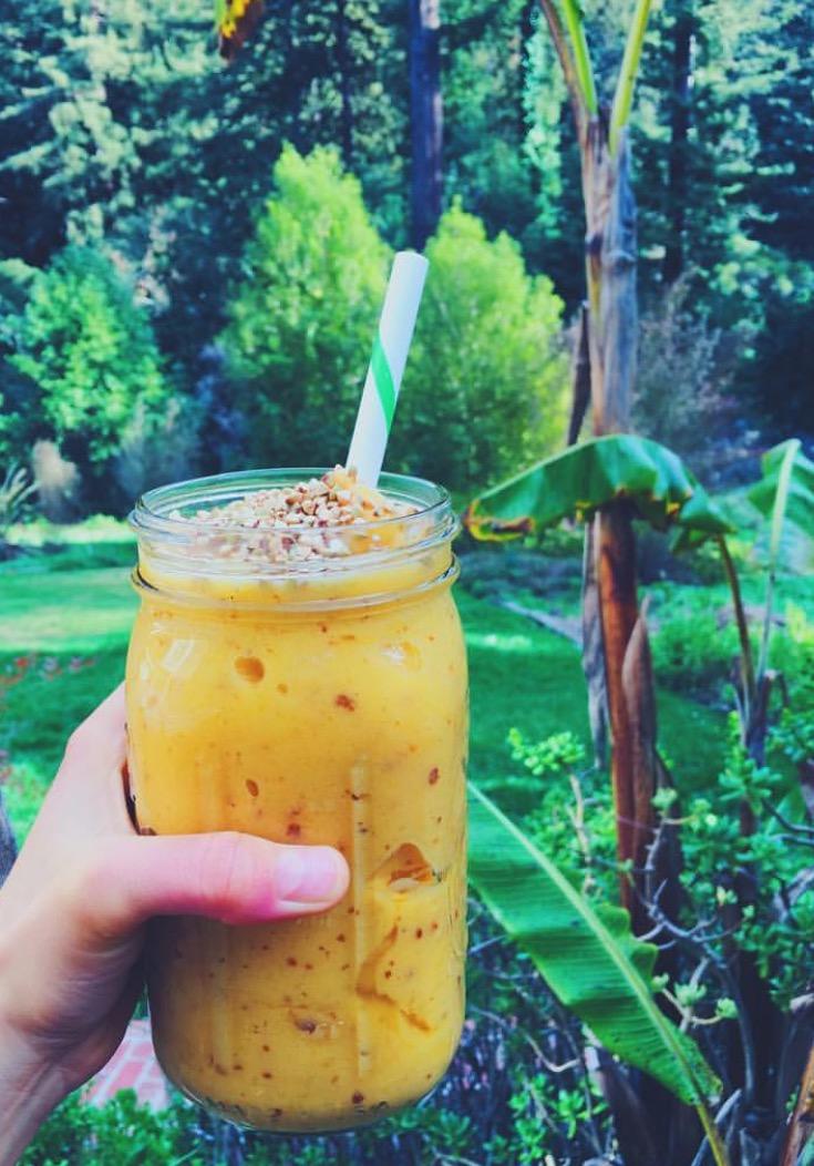 Mango Celery Sunshine Smoothie