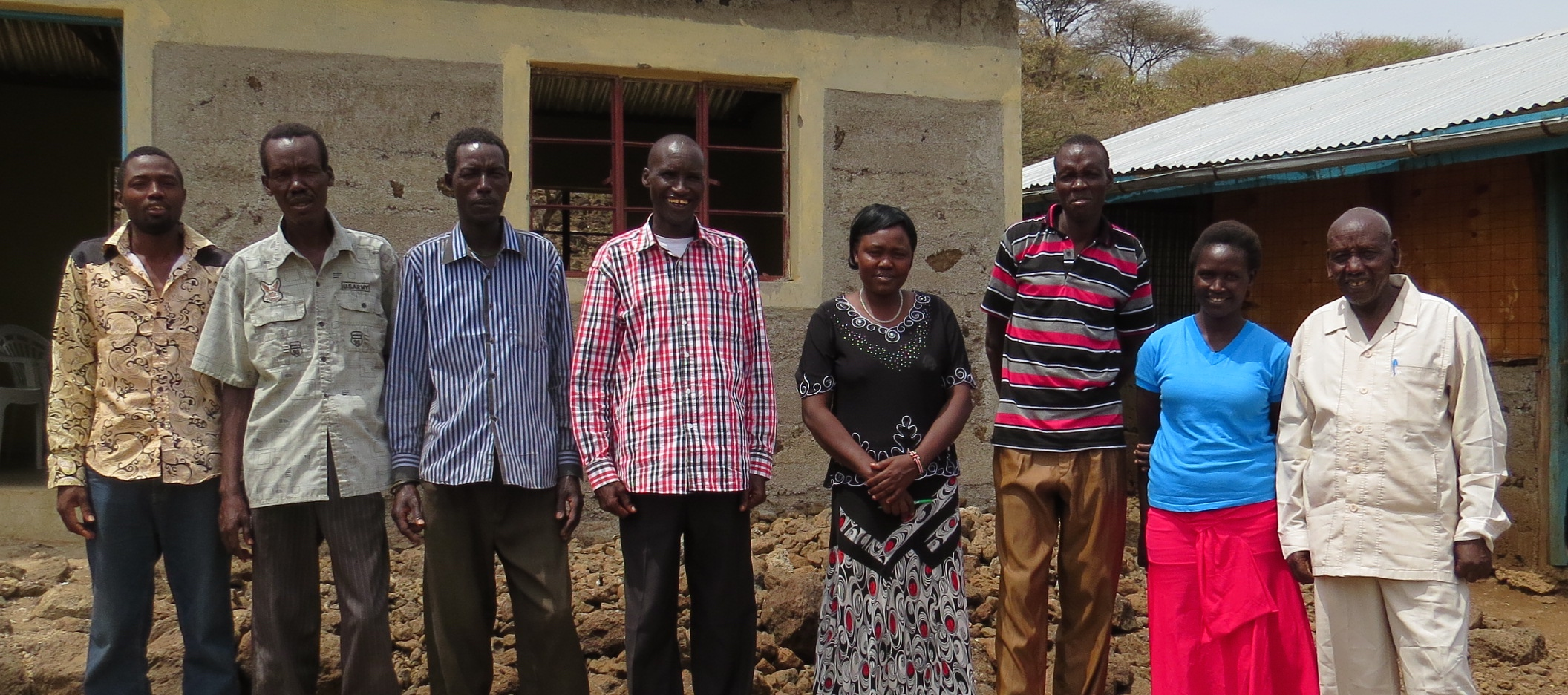 The Kirepari Primary School committee in front of the school