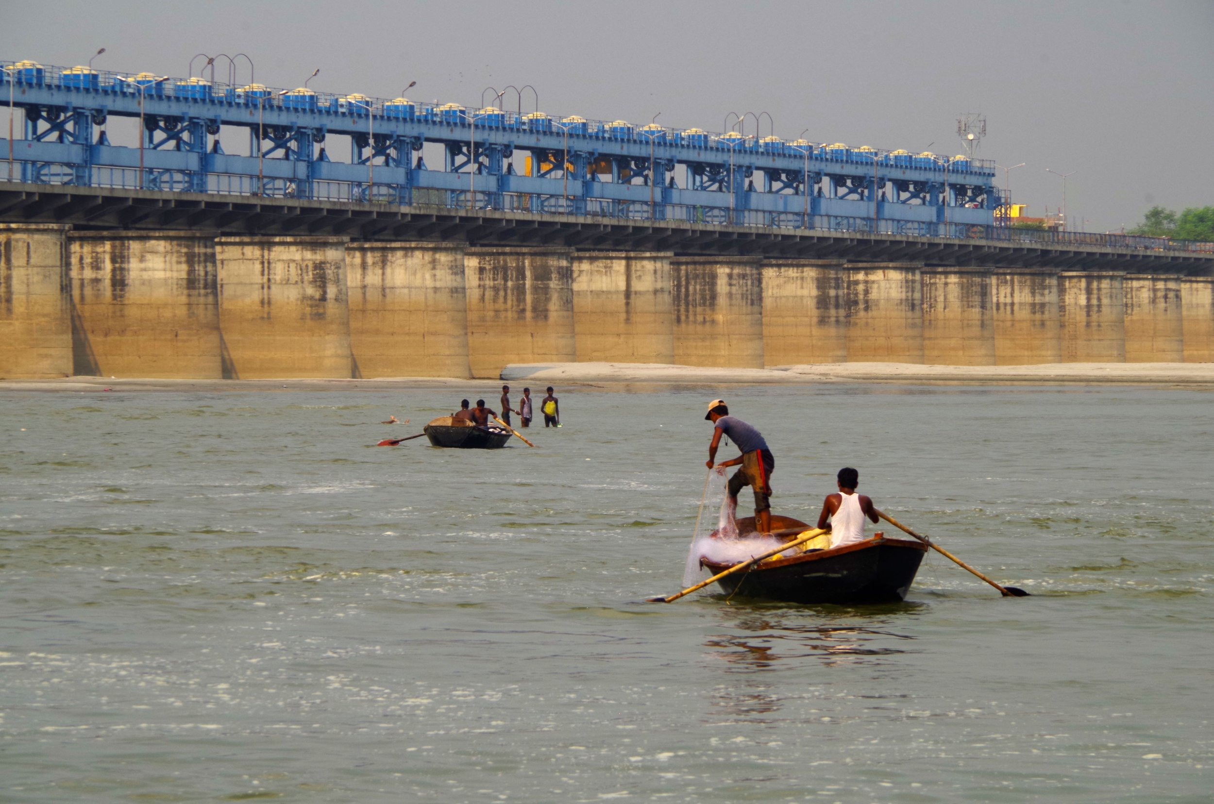 Multi-sectoral water use (hydropower, water supply, flood control, fishing, bathing) along the Ganges River, India