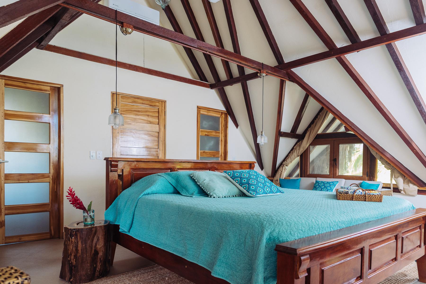Cayena_Beach_Villa_room3.jpg