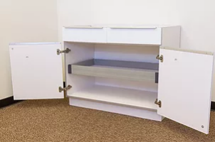 Cabinet roll out tray