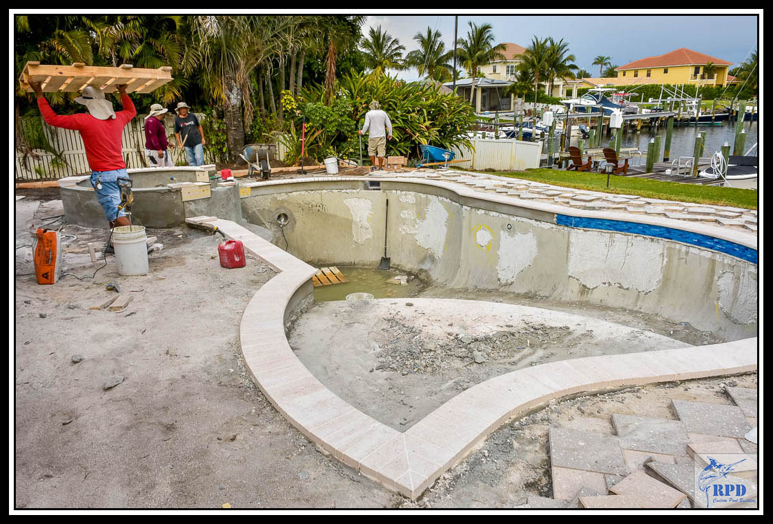 07-Swimming-Pool-Spa-Remodel-North-Palm-Beach-Florida-Construction-RPD-Roberts-Pool-Deisgn-©RPD.jpg