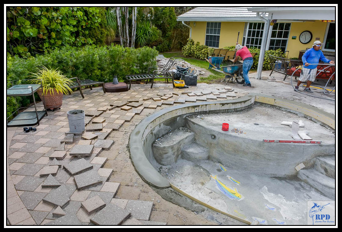 03-Swimming-Pool-Spa-Remodel-North-Palm-Beach-Florida-Construction-RPD-Roberts-Pool-Deisgn-©RPD.jpg