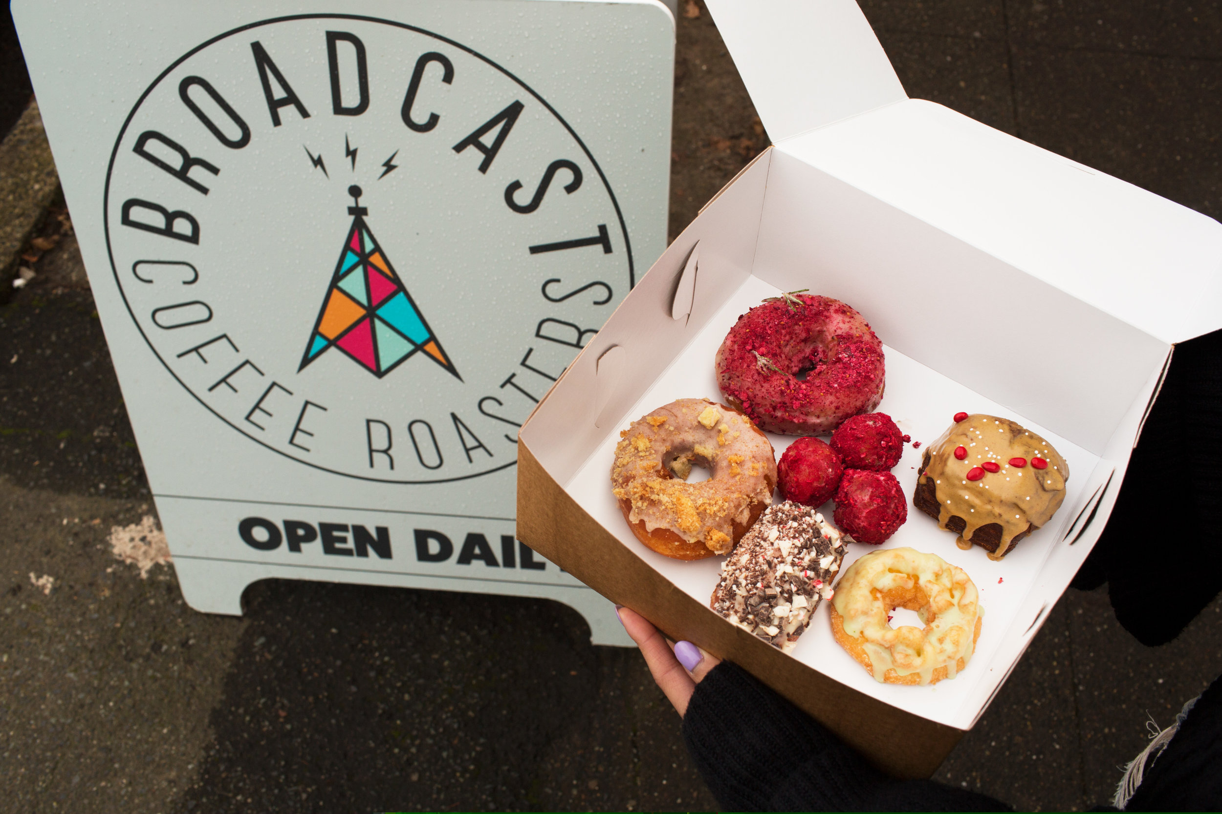 RAISED DOUGHNUTS X BROADCAST COFFEE POP UP  12.16.2018 Loved the seasonal flavors at this POP UP! And the fact that we were next door to Wood Shop BBQ! Our Pandan mochi was the first to sell out!