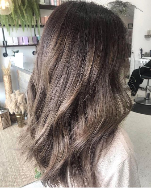 Loving this gorgeous colour melt done by @lynv.hair 😍 . - wet balayage done at the sink with @fanola lightener & 30vol lifter her to a level 7/8 - applied roots with 4-0 & 5-00 & 5-1 with 13vol #morevibrance 🔥🔥