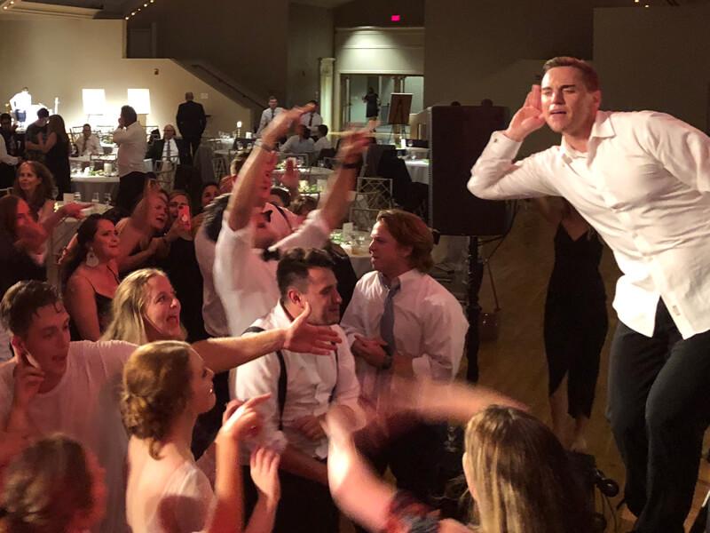 Cincinnati-Wedding-DJ-2018-9 (2).jpg