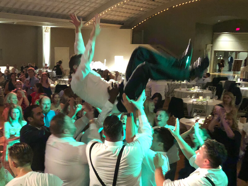 Cincinnati-Wedding-DJ-2018-10 (2).jpg