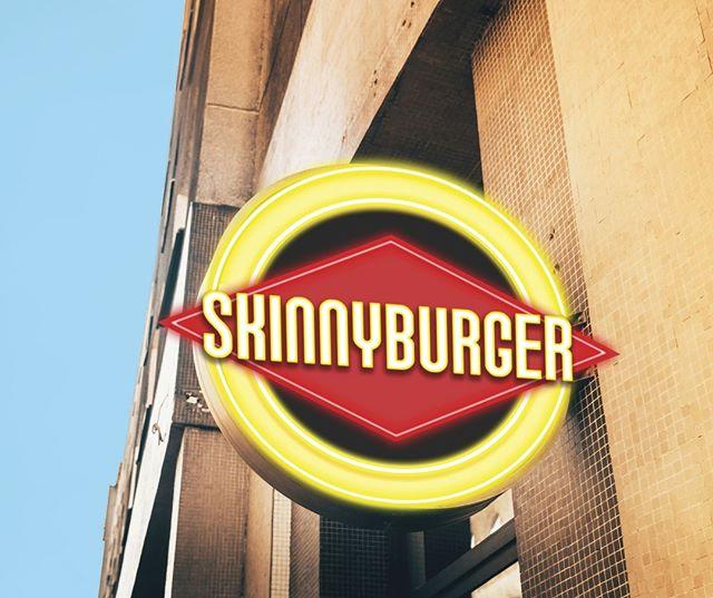 all we wanted was a haircut...did we go too far?👀👀👀   #skinnyburger #losangeleseats #burgerlovers #makeitdelicious #lastory #onmyplate #laclassic #RedondoBeach #LasVegasEats