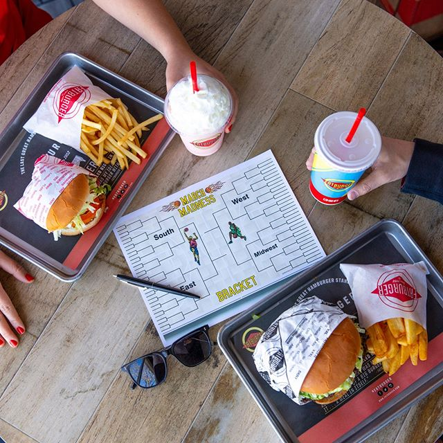 Win or lose, coming to Fatburger for your #MarchMadness grub is always a SLAM DUNK. 🏀🏀🏀⁣ ⁣ ⁣ ⁣ #fatburger #freshsince52 #basketball #feedfeed⁣ #losangeleseats #burgerlovers #feastagram #burgerlover #buzzfeedfood #onmyplate #welikela #eaterla #infatuationla