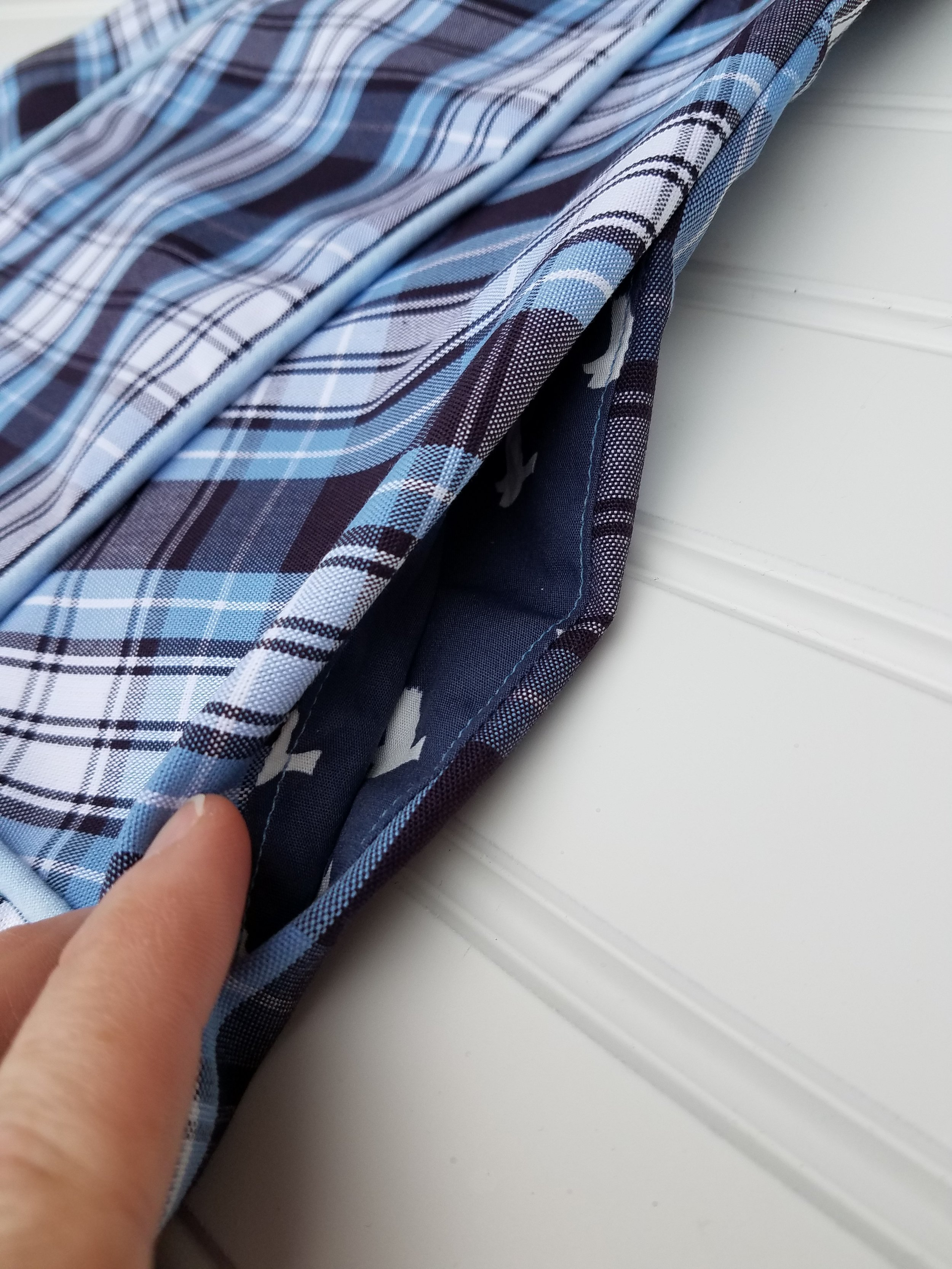 Inseam pockets