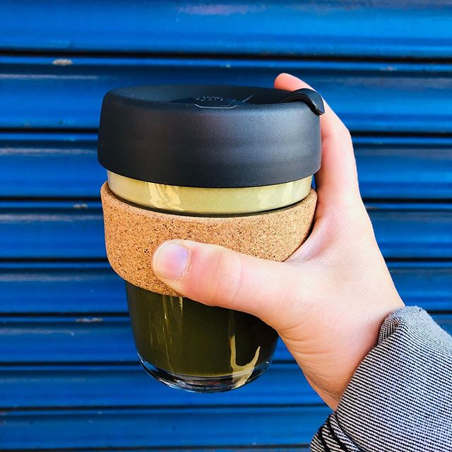In honor of our MAMA ❤️ showing my @keepcup (procured from @packagefreeshop) some love with a @chalaitnyc HOT bev (because it's FALL now 🍂🍁)! Feeling like a very good leave-no-trace kinda Earthling today ☺️ Love our Earth, love others, love yourself (and don't forget to drink your matcha hot chocolate w/ almond milk, kids!) 🌞#salutethereuser ✌️ . . . . . . #zerowaste #mamaearth #matcha #chalait #keepcup #packagefree #vegan #veganfoodshare #nyceats #reuse #reusables #sustainableliving #wastefree #chocolate #dairyfree #minimal #eeeeats #eeeeatsnyc #foodie #leavenotrace #bestofvegan #paleo #paleofoodie #cleaneats #cleaneating #reusablenotdisposable #reuserevolution