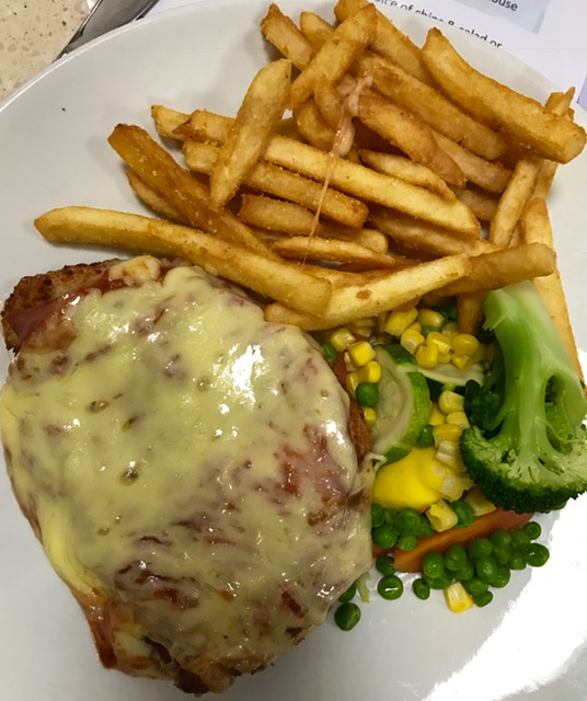 #5 - The Yarrawonga Hotel -35 Belmore Street, Yarrawonga VIC'The VIC' as the locals call it serve up my personal favourite chips! they're always crunchy and delicious with plenty of flavour! Their Parmy is pretty stock standard, yummy served with either salad or veggies.