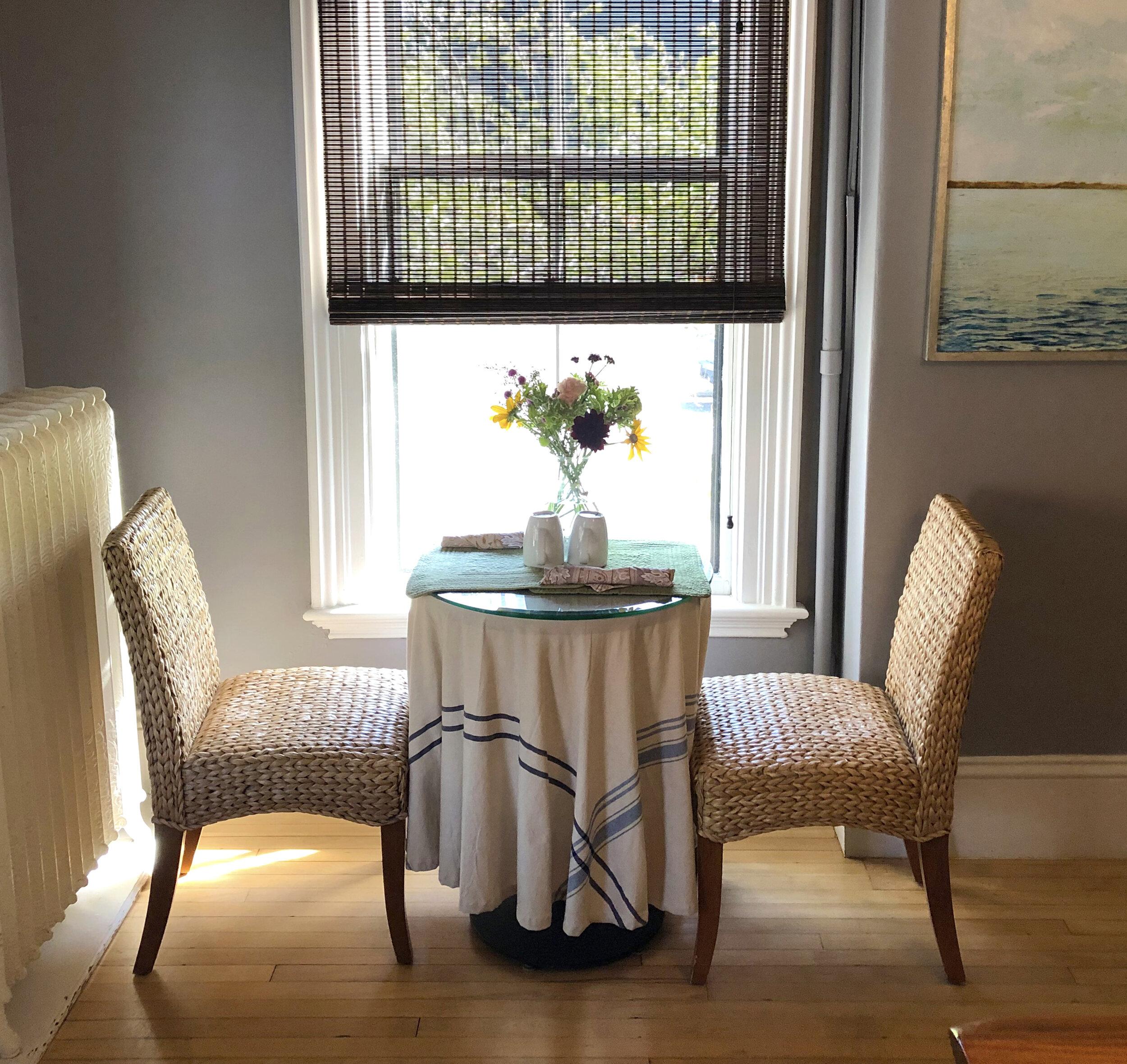 diningroom_twoseater2.jpg