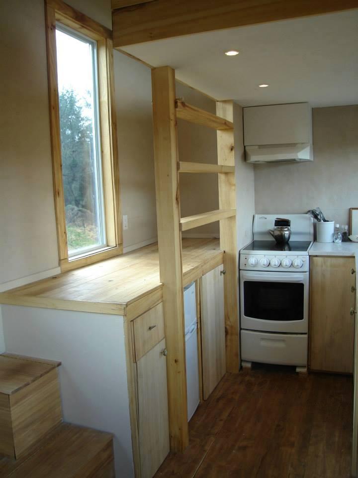 Leaf - kitchen pic2 copy.jpg