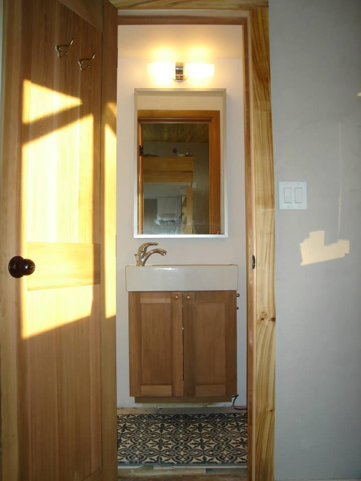 poplar TH - bathroom.jpg