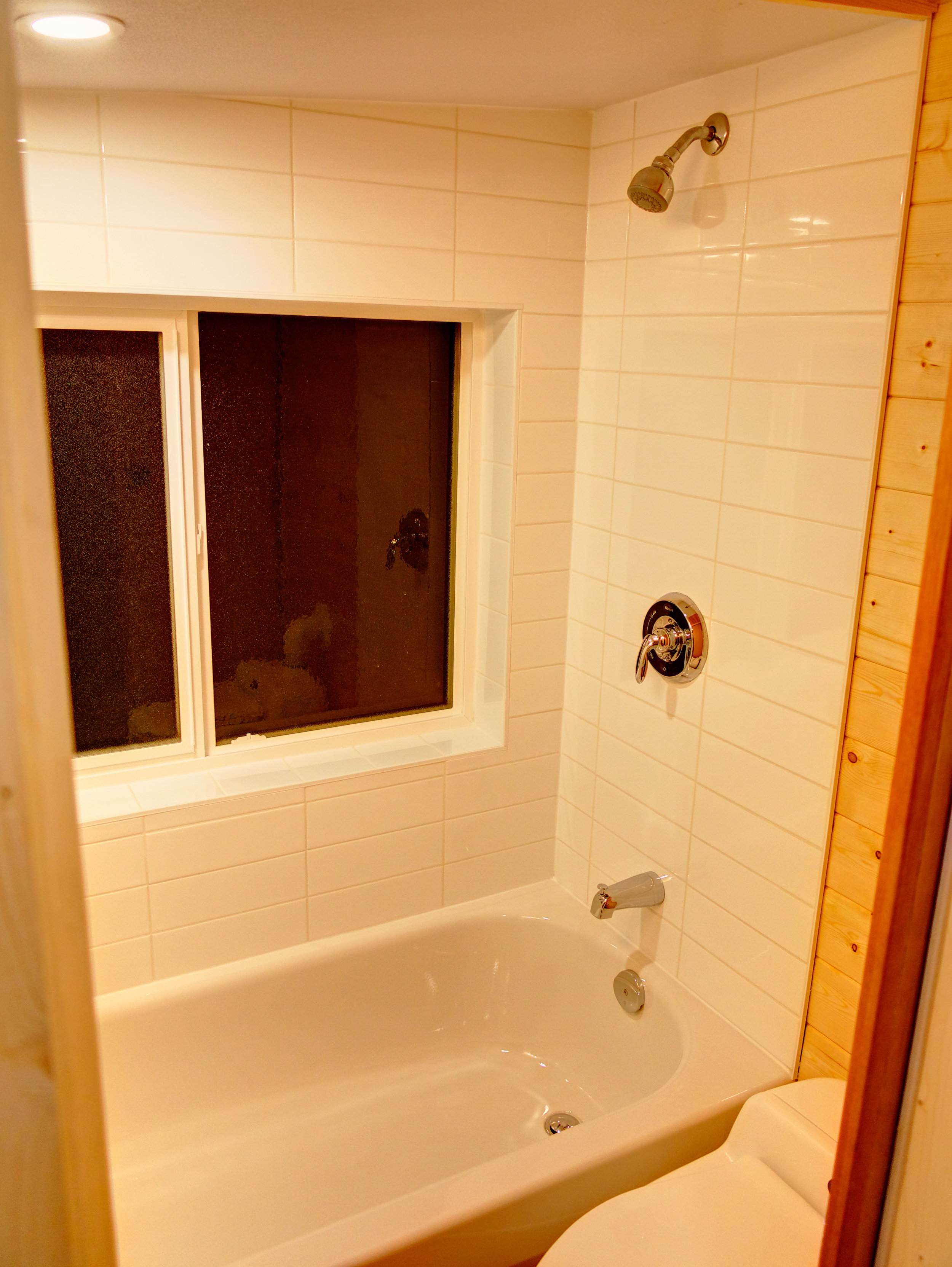 Bath_window.jpg