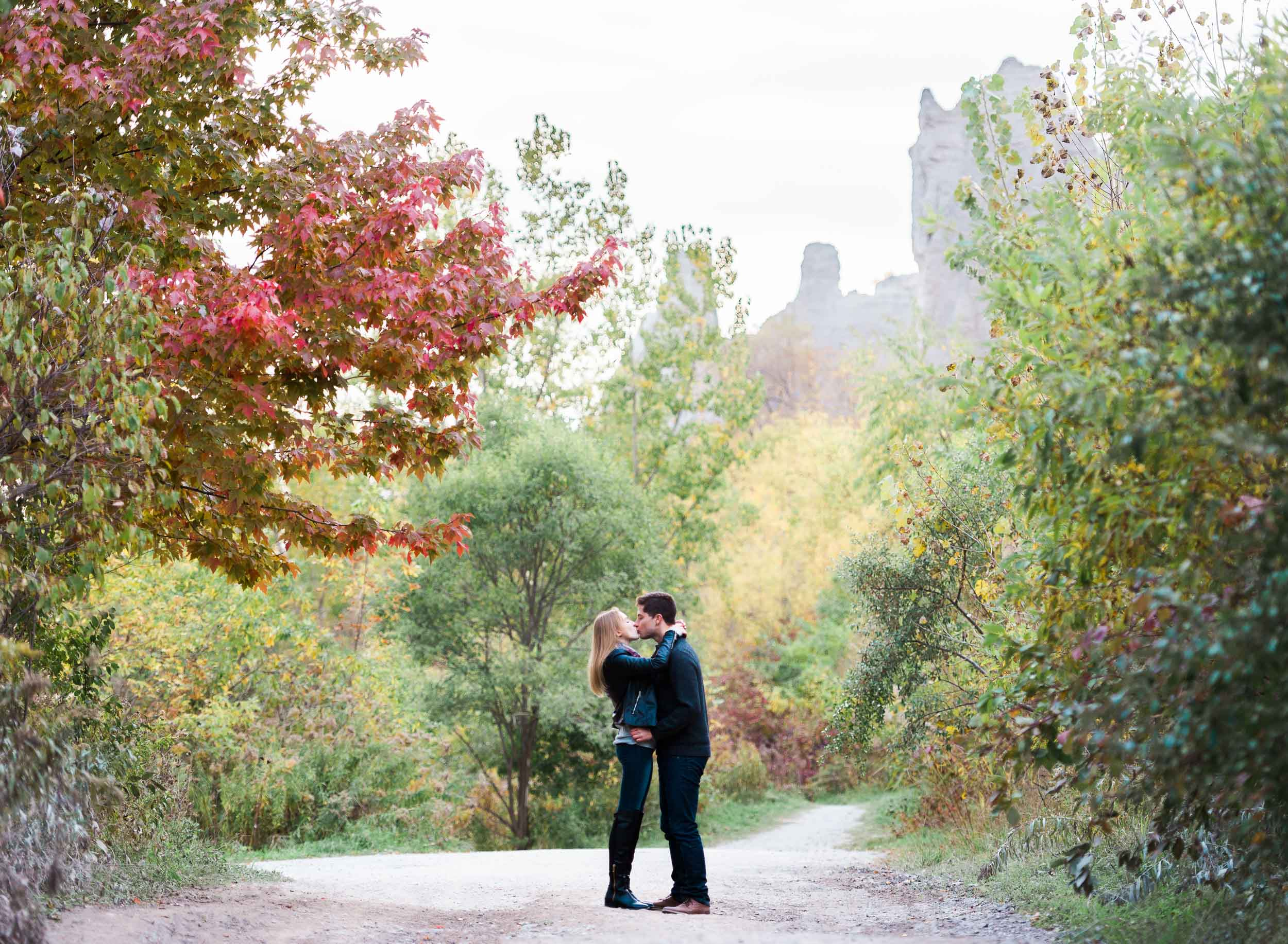scarborough_bluffs_engagement-1.jpg