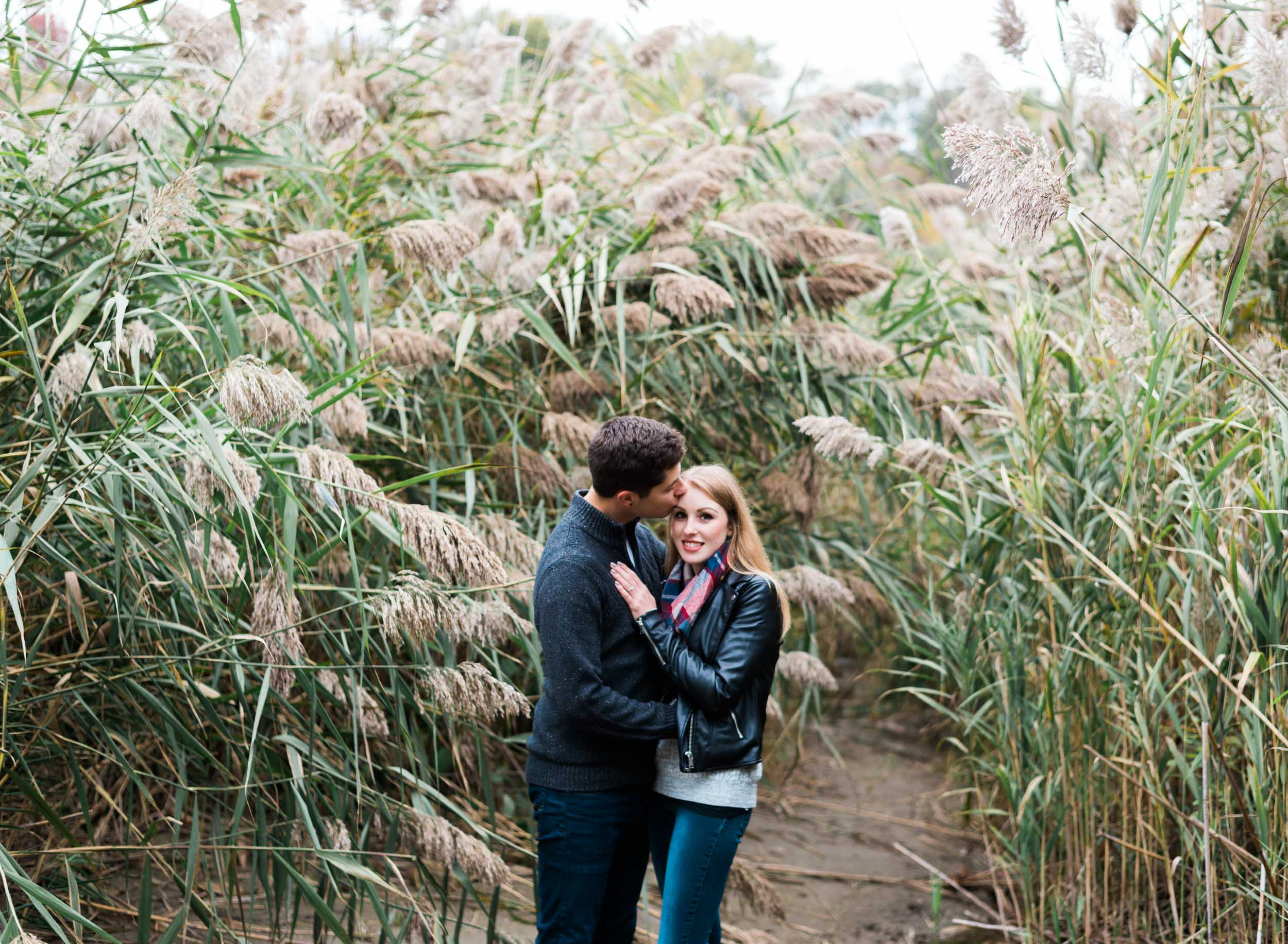 scarborough_bluffs_engagement-13.jpg