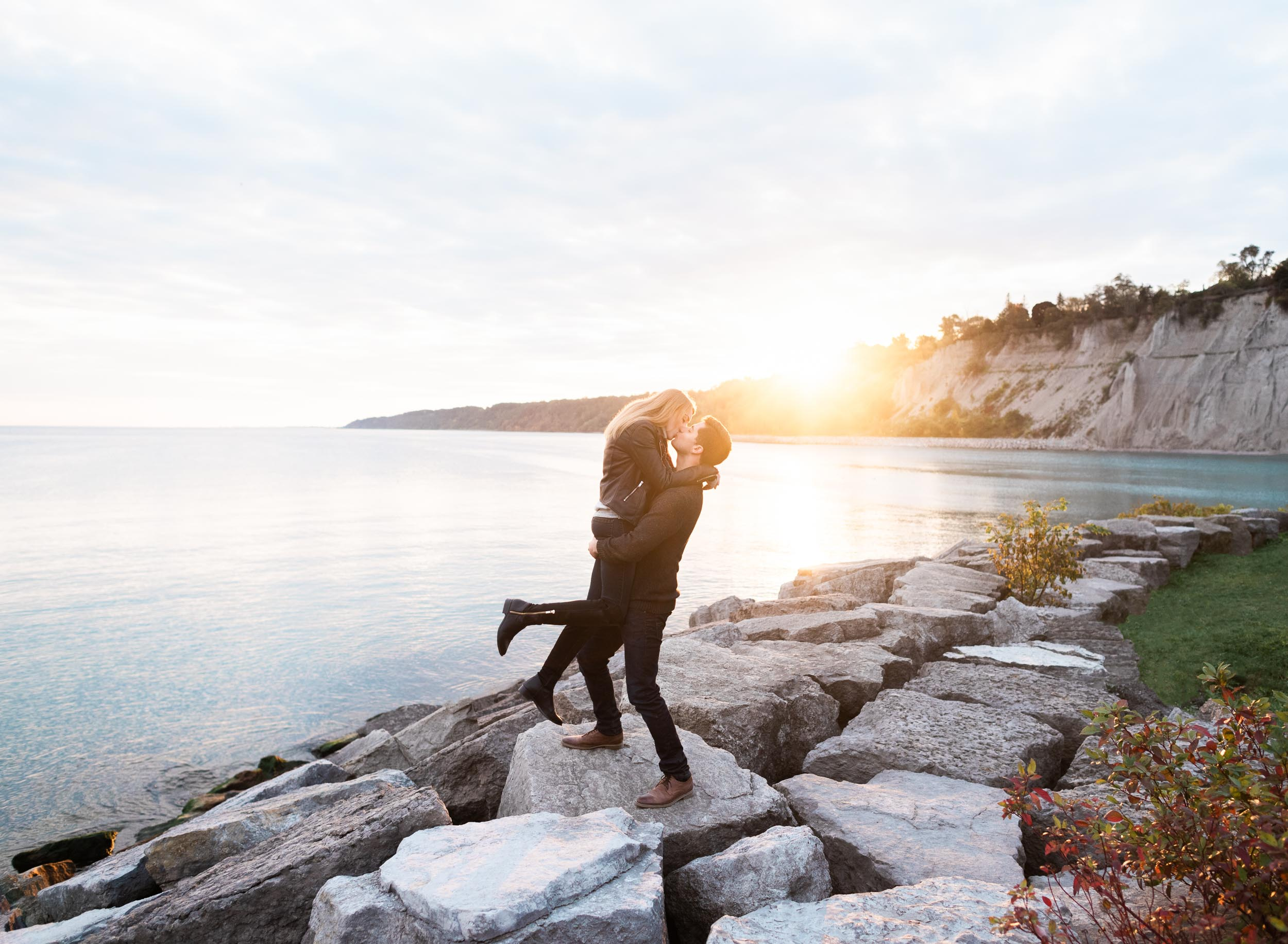 scarborough_bluffs_engagement-20.jpg