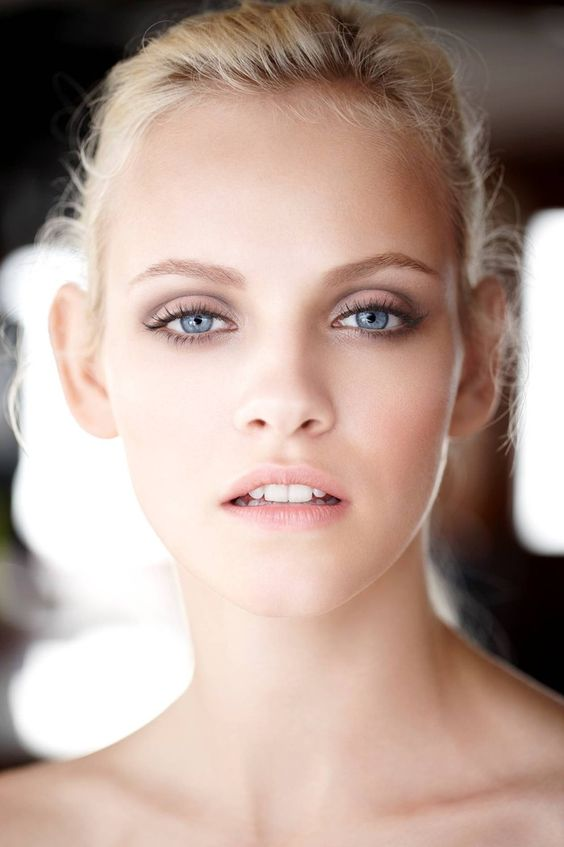 make up stylist.jpg