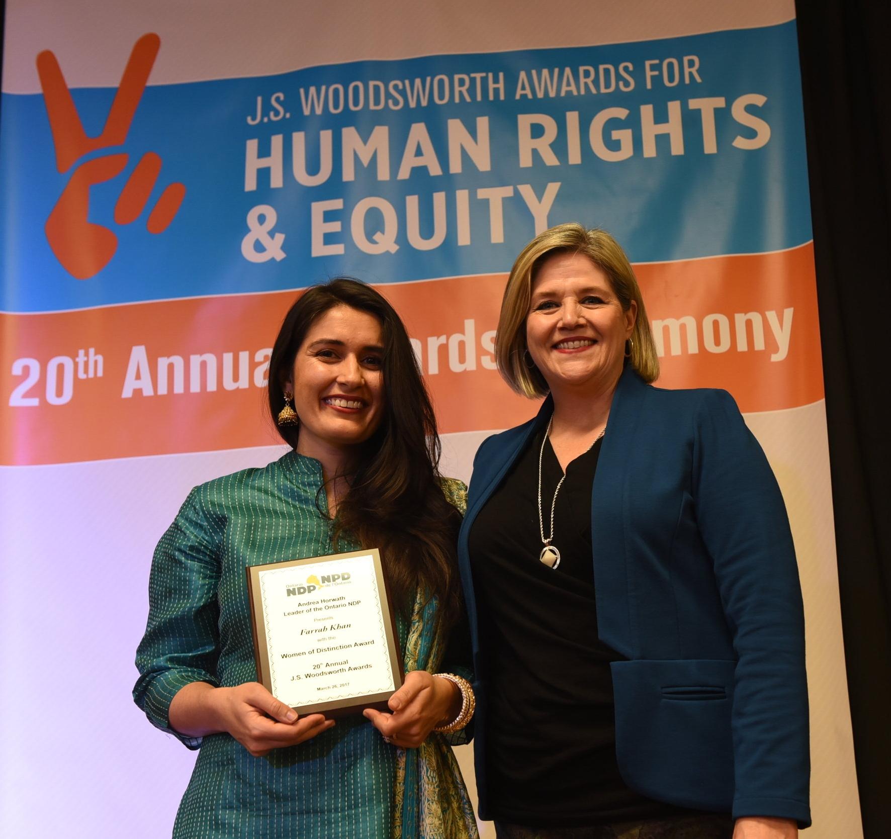 NDP leader Andrea Horwath (r) and Woman of Distinction winner Farrah Khan