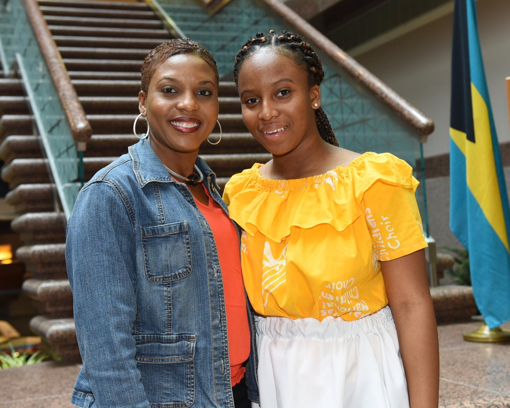 Naketra Malcolm (r) and her mom Nakeesa Beneby