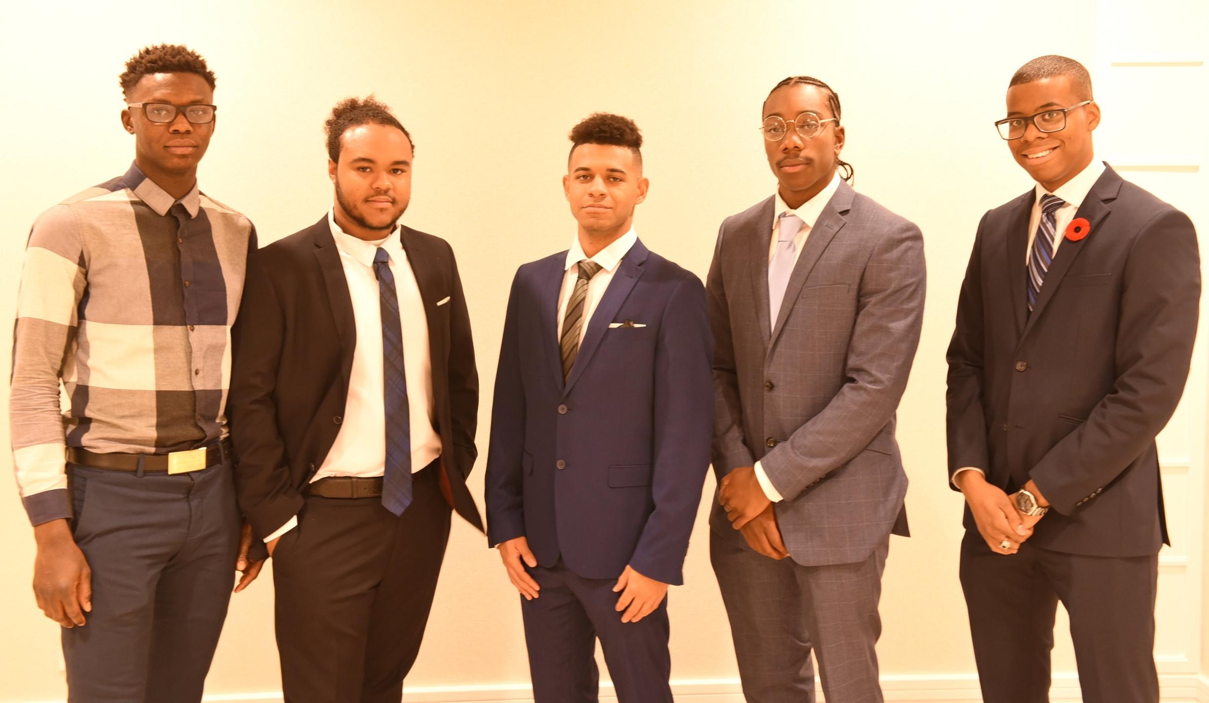 Ayomide Oyewunmi (l), Brandon Lanns, Destri Yhap, Halston Dryden & Mylan Allen