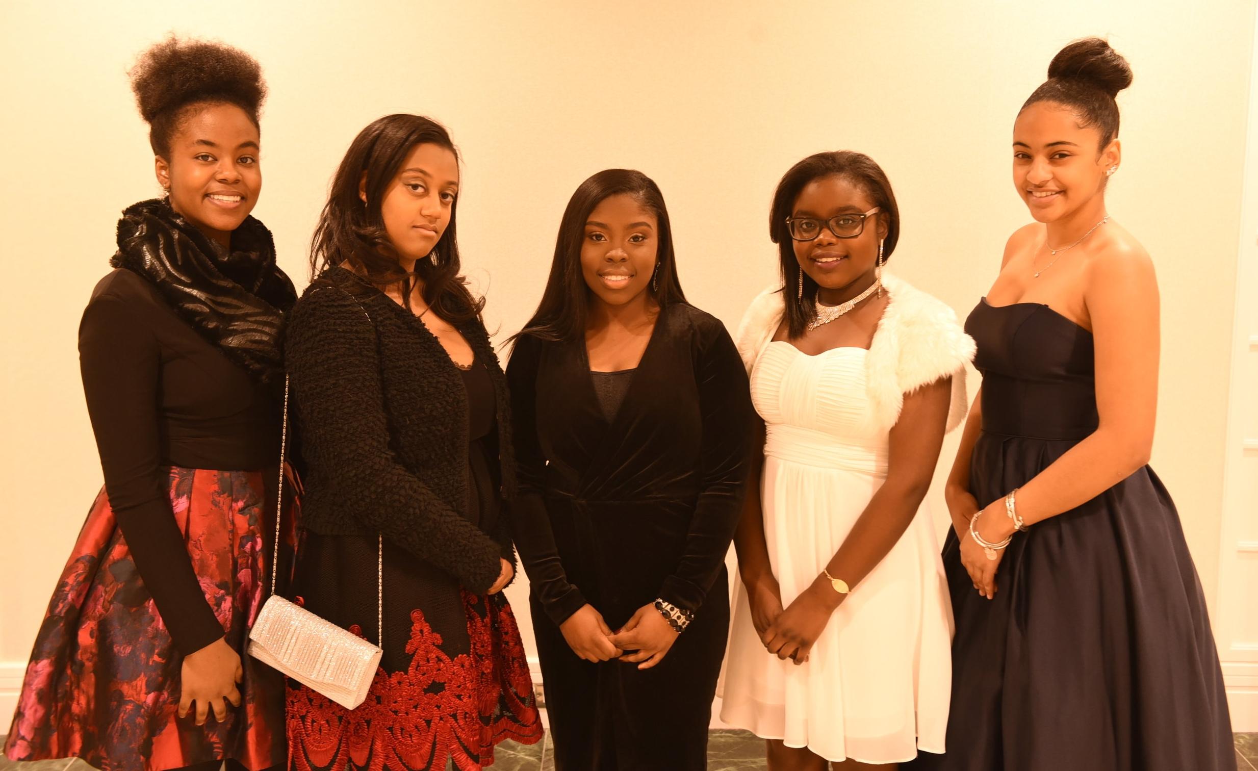 Zabrina Kerr (l), Sarah Douglas, Isabel Asuako, Danielle Hassan & Keyareh Drakes
