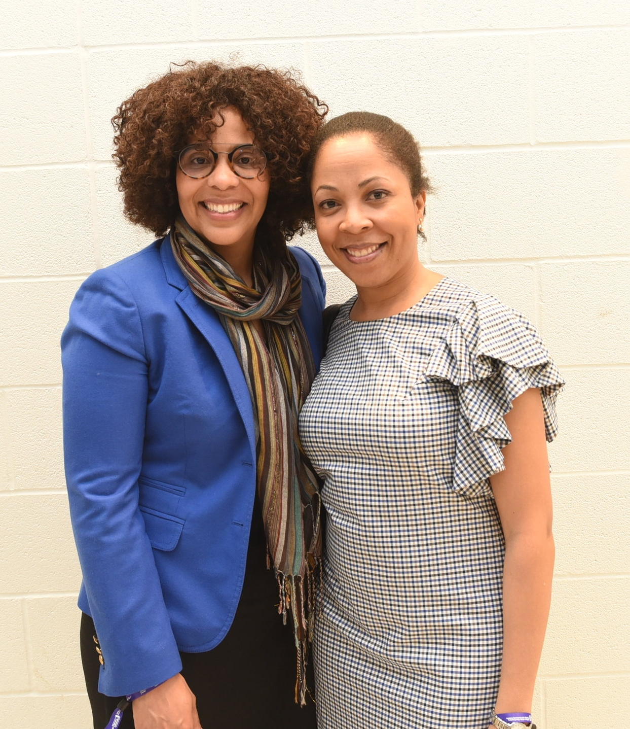 Dr. Melanie Knight (l) & Dr. Emily Agard