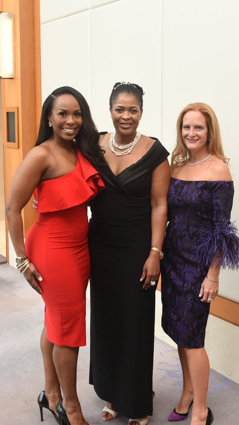 Canadian Women's Foundation President & CEO Paulette Senior (c) with her niece Raisha Senior-Pinnock (l) & close friend Sharilyn Hale