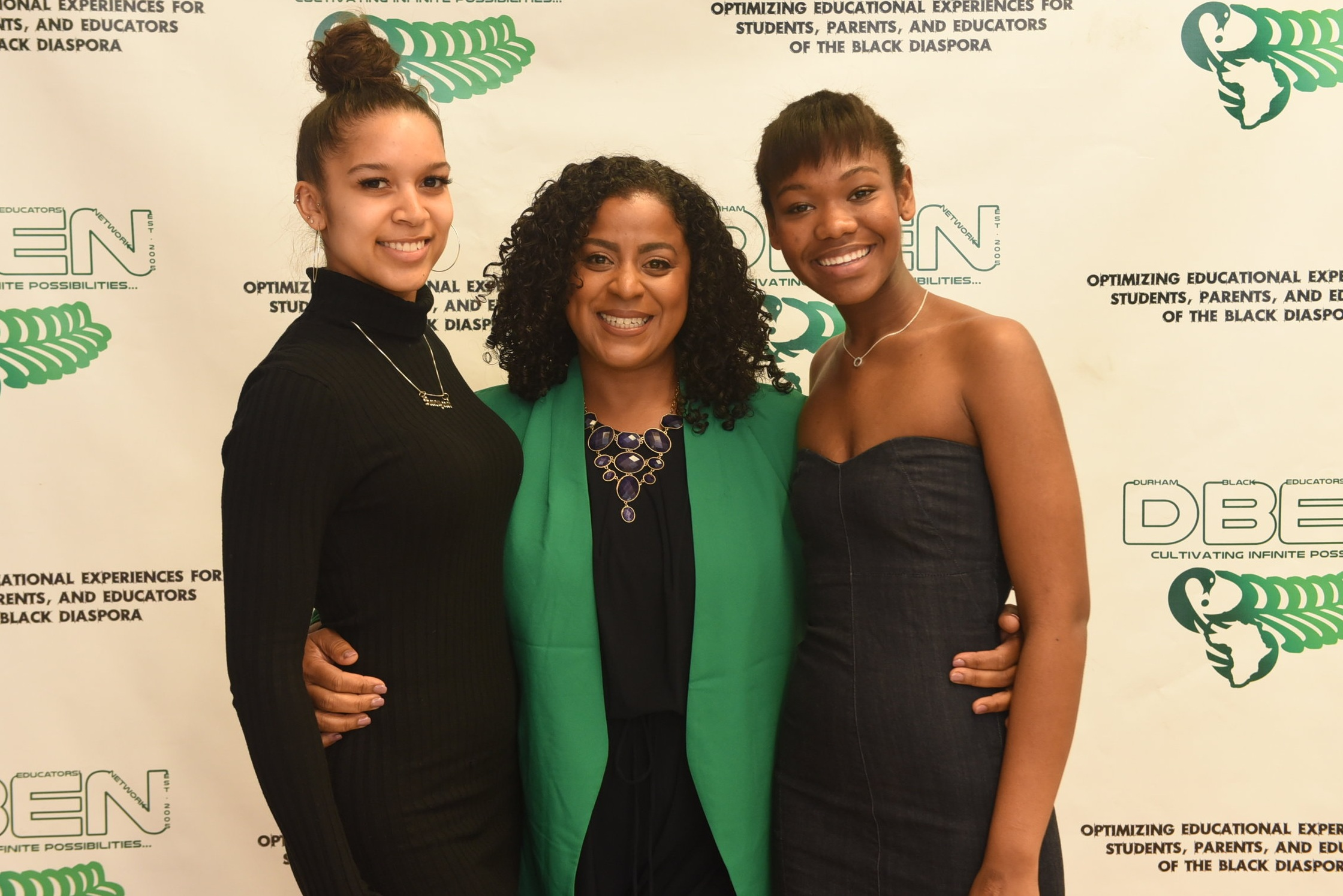 Leiza Keizer (c) presented scholarships to Racquel Anderson (l) & Daveisha Francis