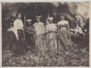 Unknown, Jamaican women, ca 1900