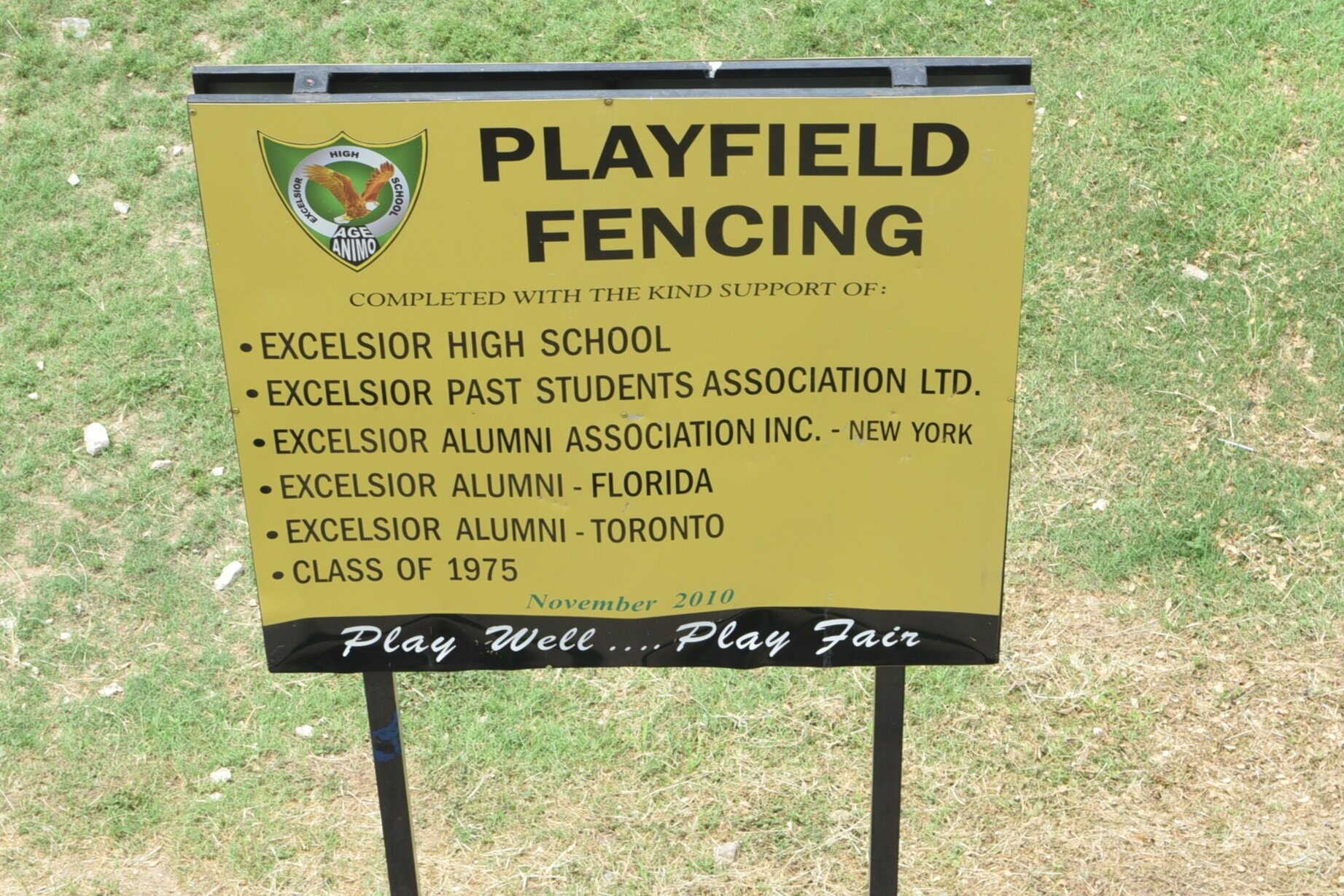 Excelsior High School Old Students Toronto chapter contributed to the erection of the school's perimeter fence