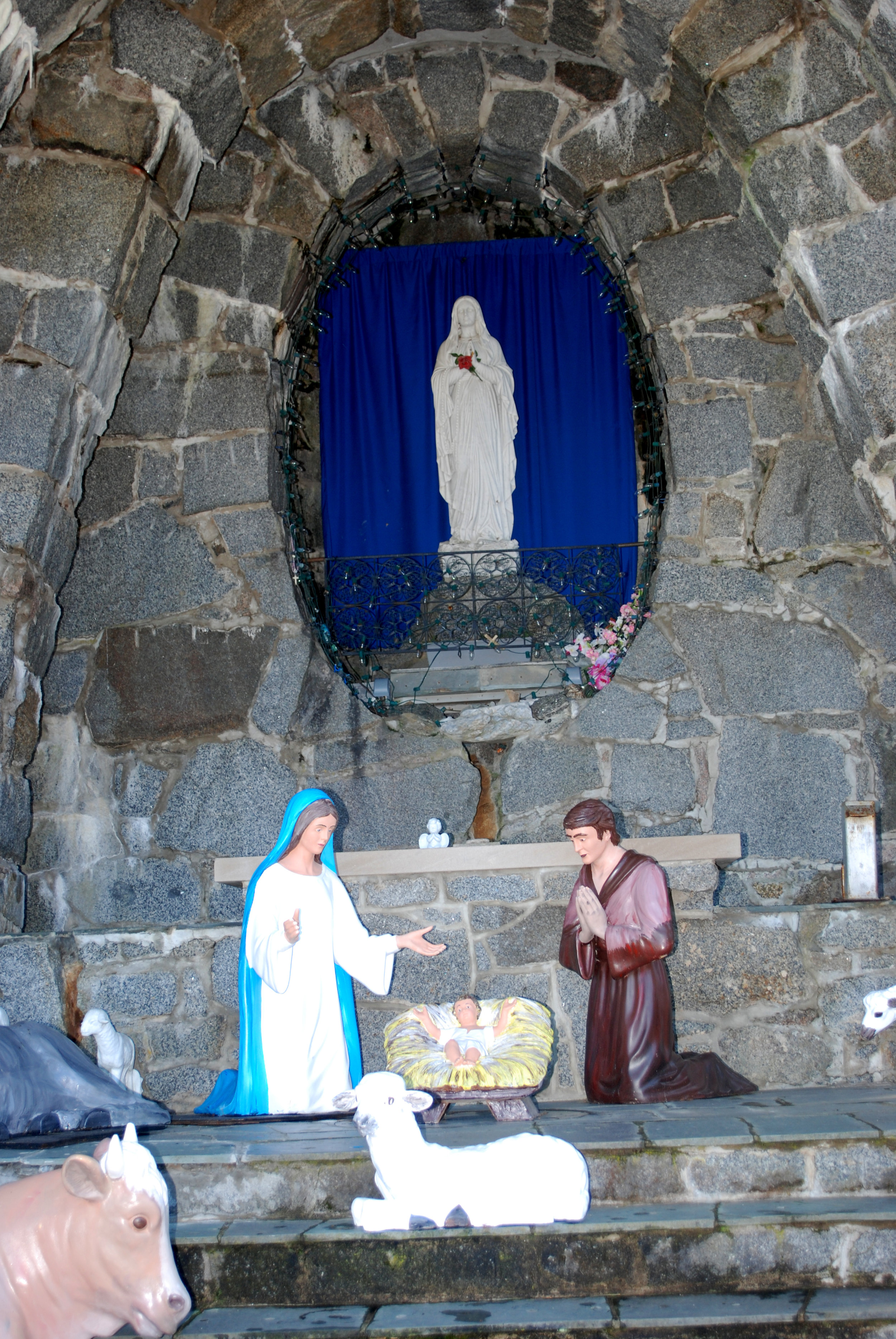 Christmas Prelude – Candlelight Caroling - Saturday, December 6, 2019, 6:30 pmSt. Anthony's Franciscan Monastery, 26 Beach Ave, Kennebunk ME 04064, Outside in front of the stone grotto with the manger, 207-967-4865Join the Franciscan Friars for an evening of Christmas songs by candlelight. Christmas Prelude starts Thursday December 5th and ends Sunday December 15th. Be sure to stay at the Franciscan Guest House during Prelude. Contact the hotel for reservation prices and details. For more information about Christmas Prelude, click here.