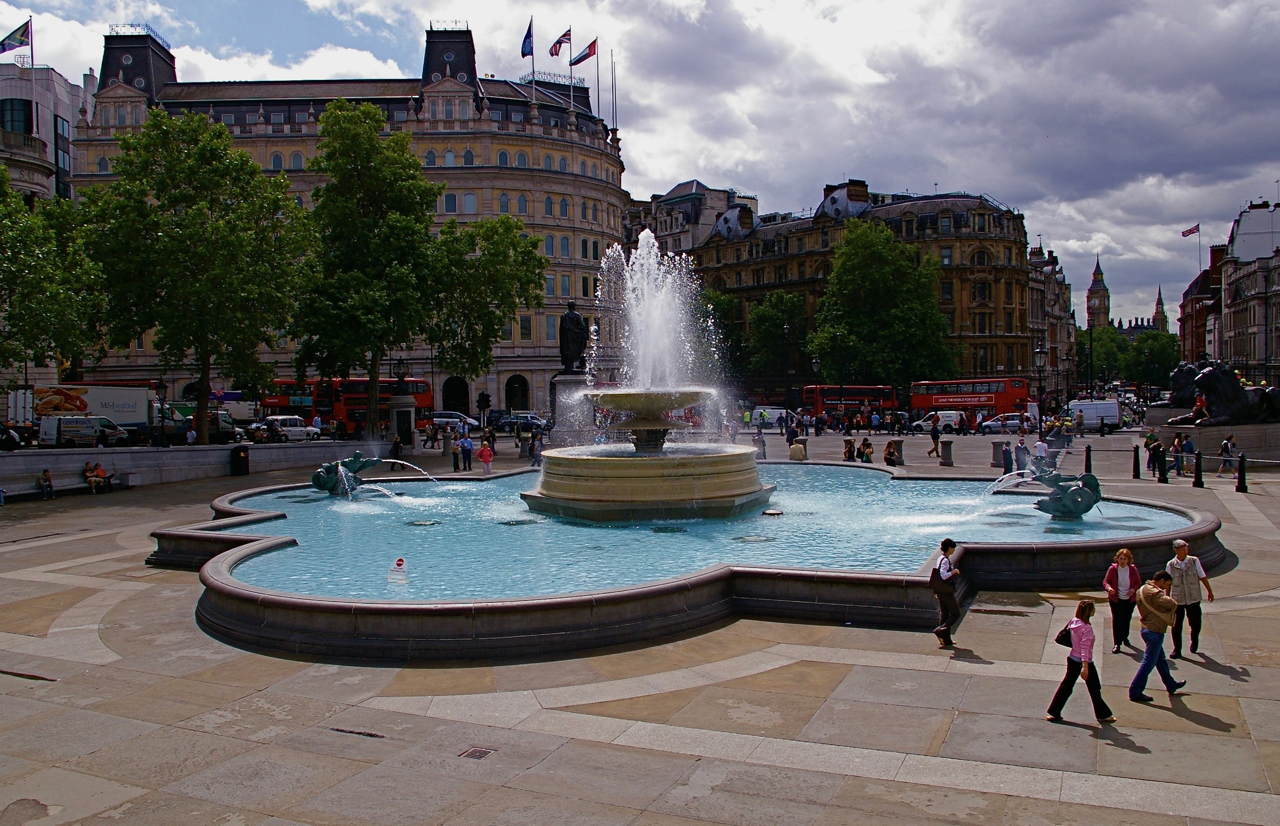 One of my fave spots in London, Trafalgar Square.