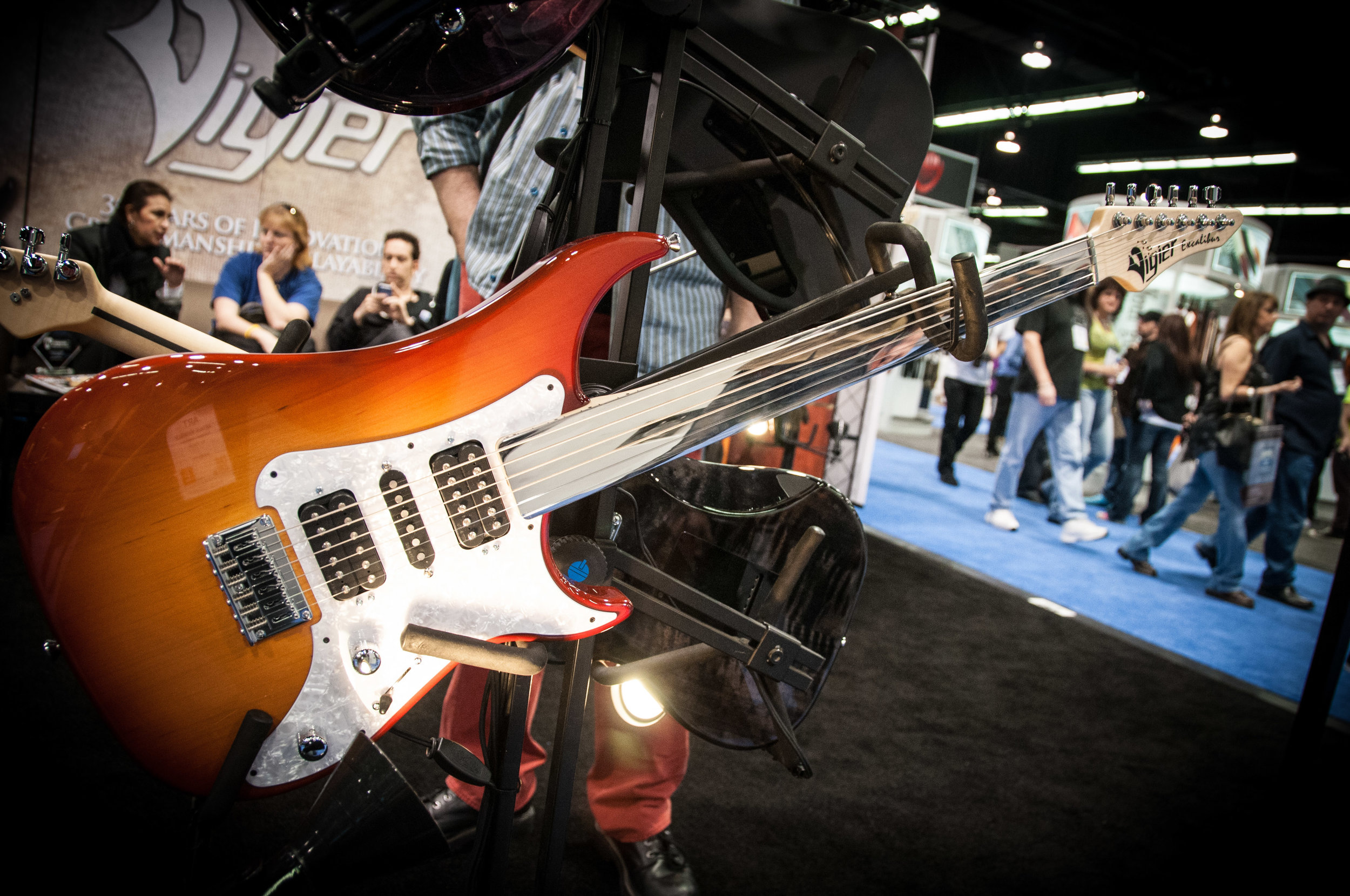 Vigier_Excalibur_Surfreter_Special_fretless_guitar_-_2014_NAMM_Show.jpg