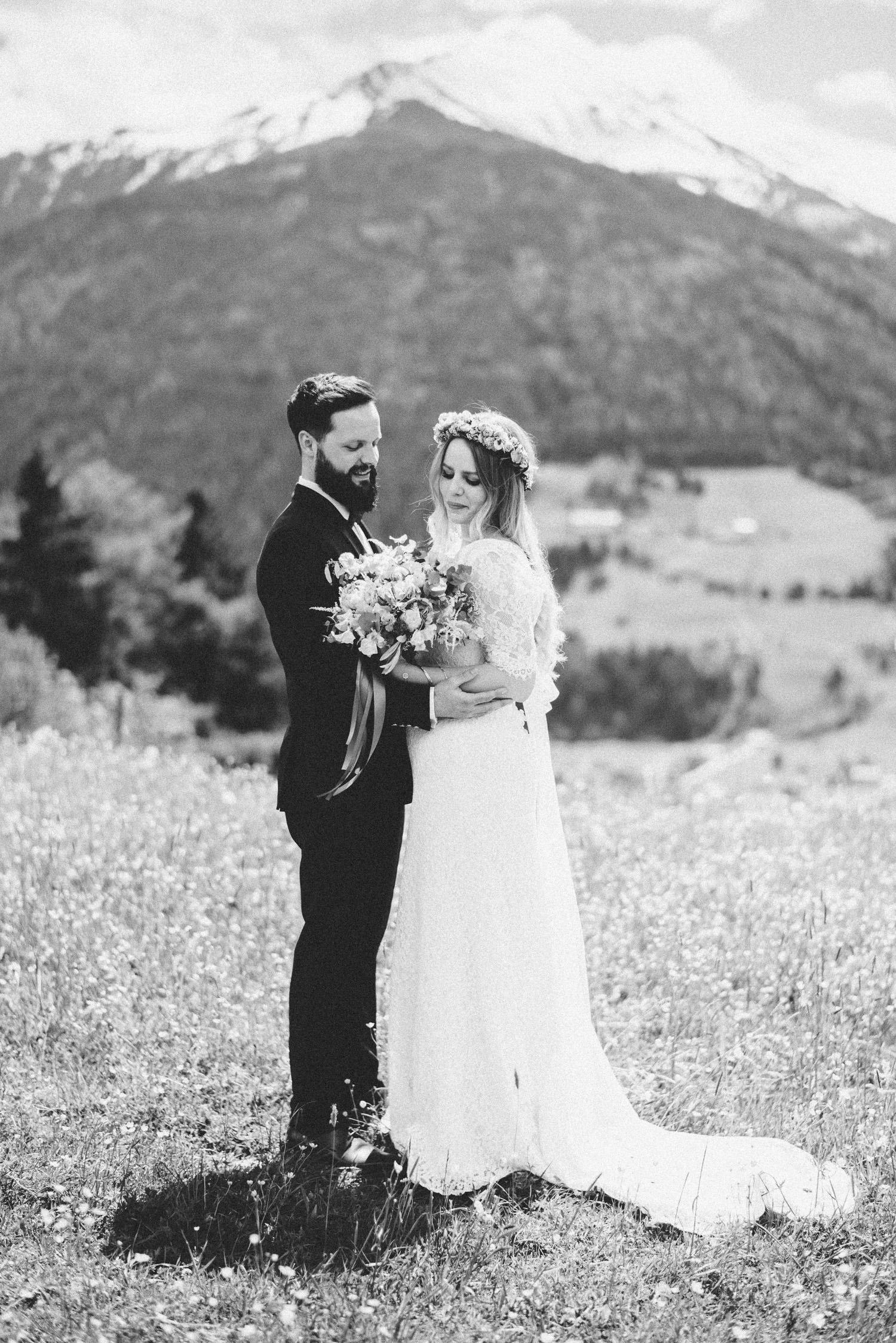 hochzeit-schloss-mittersill-heiraten-in-den-bergen-hochzeitsfotografin-mariagadringer-039.jpg